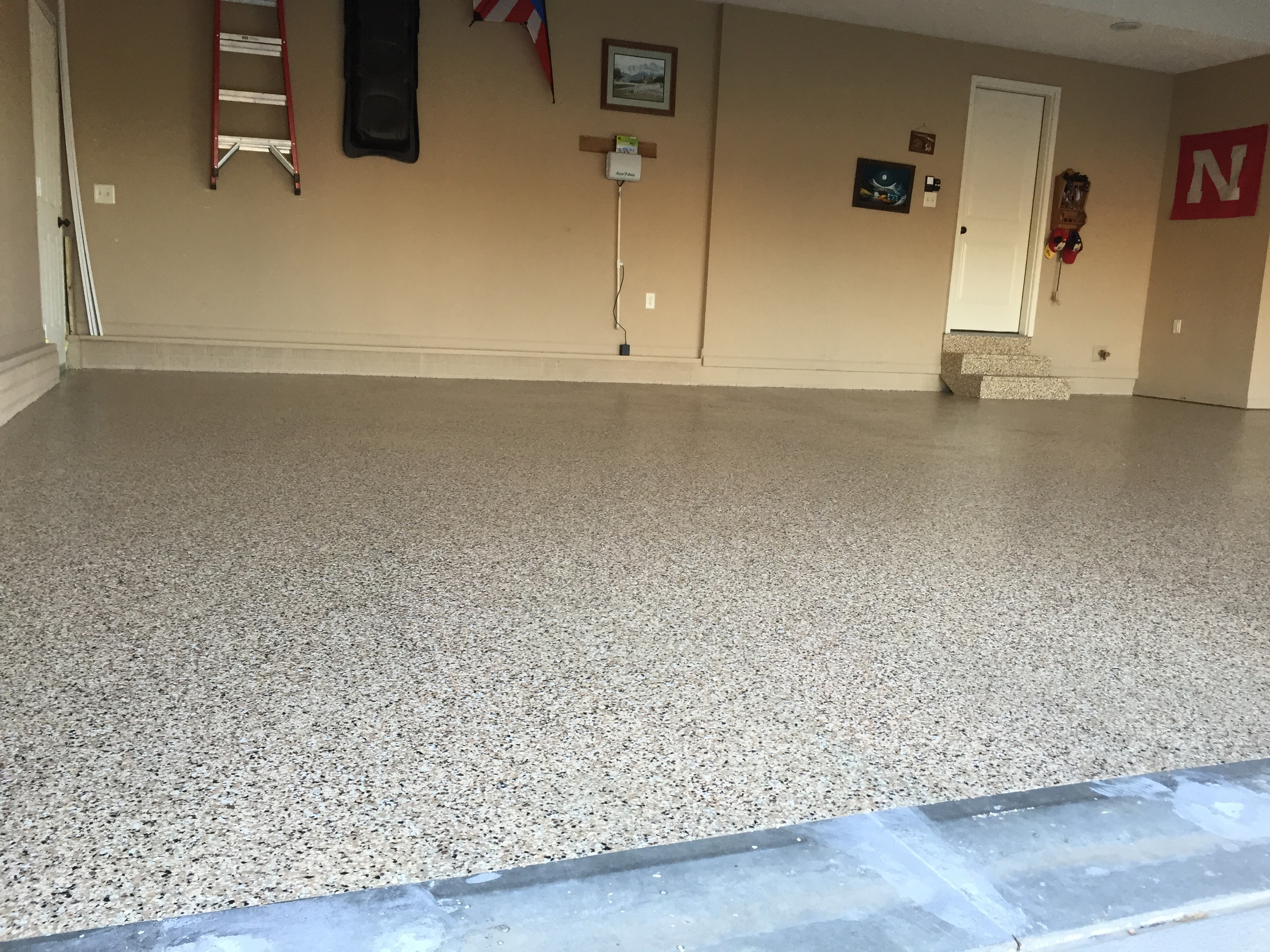 Epoxy garage floors that are beautiful and commercial for Garage deck